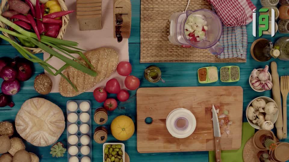صحتك عالطاولة 2- خمس وجبات صحية بالخلاط - منى اليسير - ح٨
