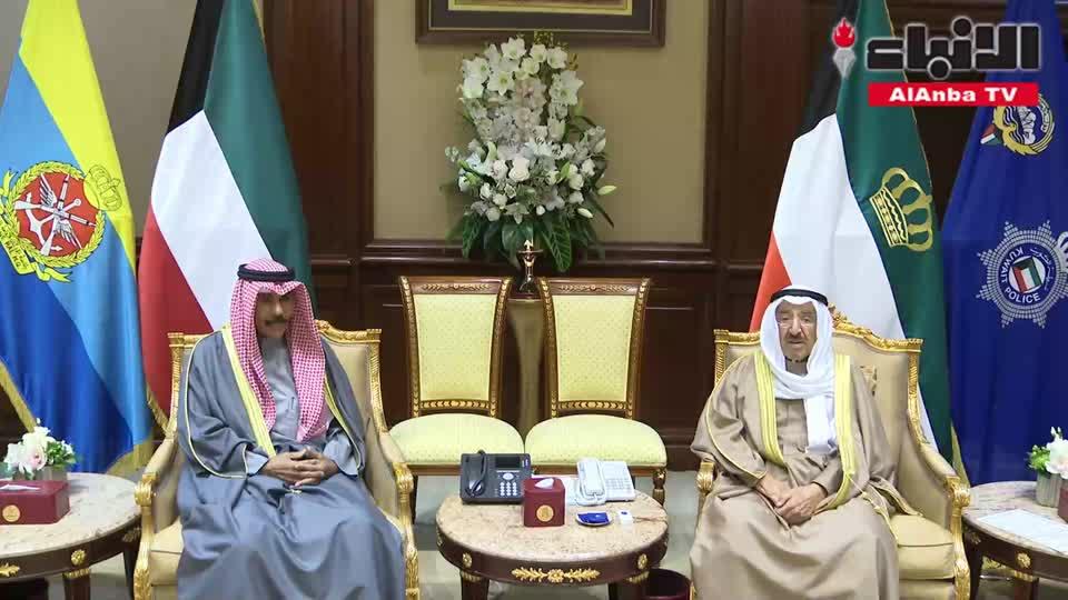 صاحب السمو الأمير الشيخ صباح الأحمد مستقبلا سمو ولي العهد الشيخ نواف الأحمد
