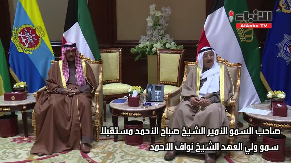 الأمير تسلم دعوة خادم الحرمين لحضور حتام مهرجان الملك عبدالعزيز للإبل