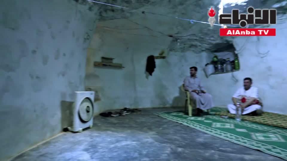 سكان إدلب يحفرون ملاجئ تحت الأرض استعدادا لهجوم النظام المحتمل