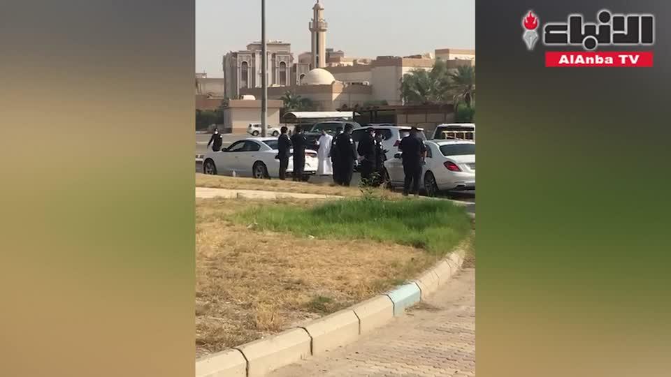 حملة صباحية مفاجئة في صباح الناصر تسفر عن سحب مدنيات نحو 15 مواطنا ومواطنة